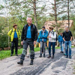 Landesrat Anton Lang am Weg zum Naturdenkmal und geologischen Highlight Nothklamm und Kraushöhle